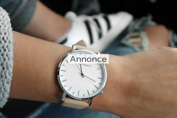Feminint armbåndsur på håndled